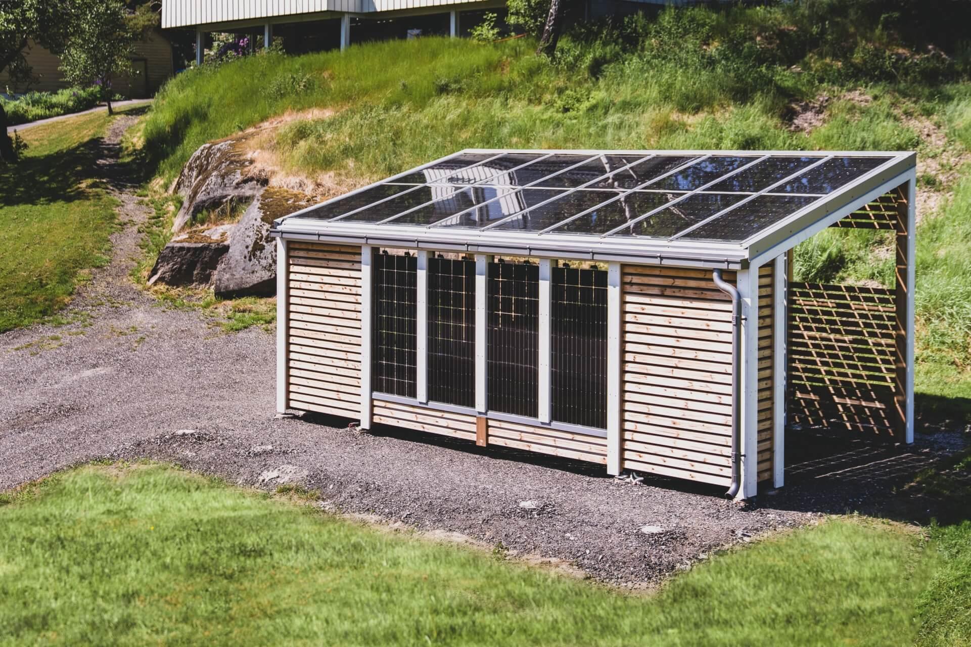 Miljøvennlig ladestasjon for elbil og ladbar hybrid